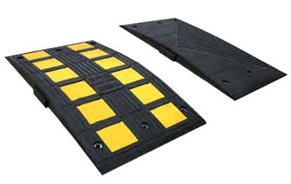 Checkers Safety Rider® Bodenschwelle aus Gummi, 90 x 50 x 5,1 cm, schwarz/gelb