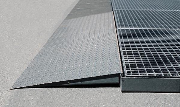 Auffahrrampe Stahl verzinkt 450 x 1120 mm, für Bodenelemente mit 500 mm Breite