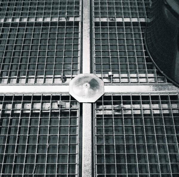 Kreuzverbinder verzinkt für Bodenelemente aus PE
