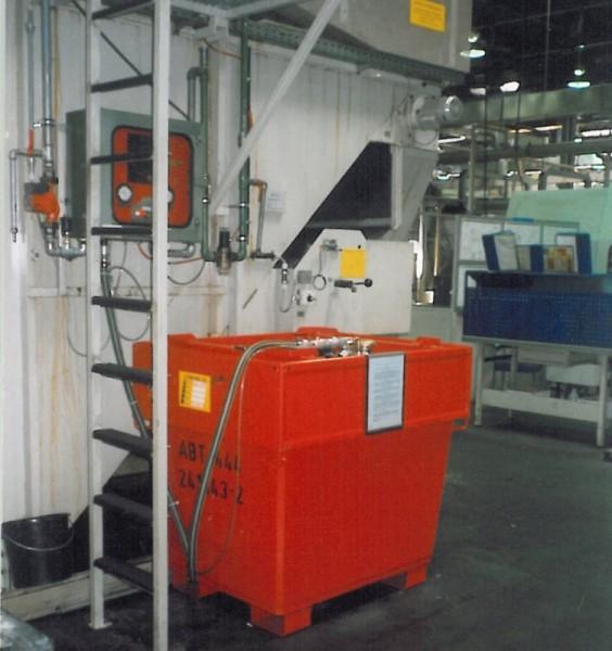 Bauer Mobicont Typ M 800 konischer Außencontainer für entzündbare Flüssigkeiten, Unterfahrbar