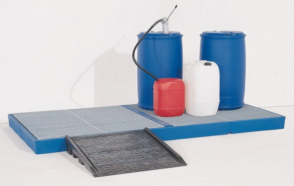 Bodenelement aus PE, verzinkter Gitterrost, 400 L, Radlast 150 kg, 3000 x 1500 x 150 mm